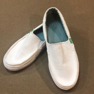 White Canvas SANUK loafers